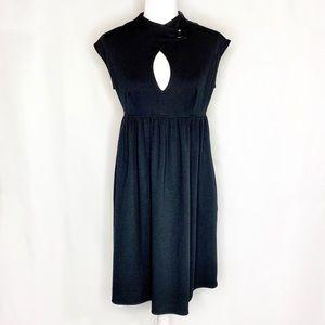 London Time Peekaboo Cutout Sleeveless Shift Dress